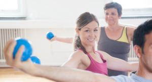 Pilates gruppträning med boll